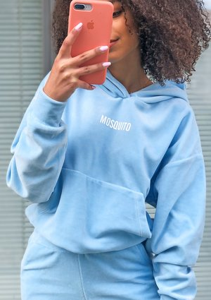 Damska welurowa bluza w kolorze błękitnym ILM