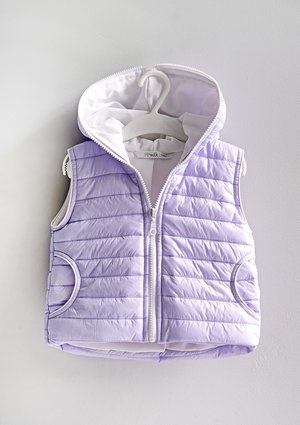 Kids quilted lila sleeveless jacket