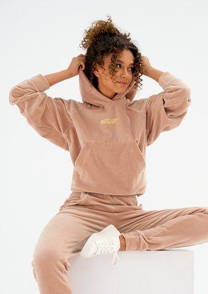 Welurowa bluza damska z kapturem Beżowa