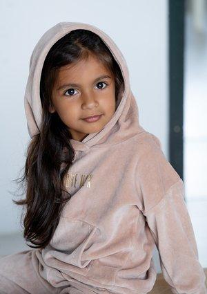 Welurowa dziecięca bluza  z kapturem Beżowa