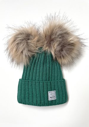 Winter beanie with pompoms Latte